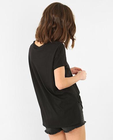 Camiseta con bordados negro