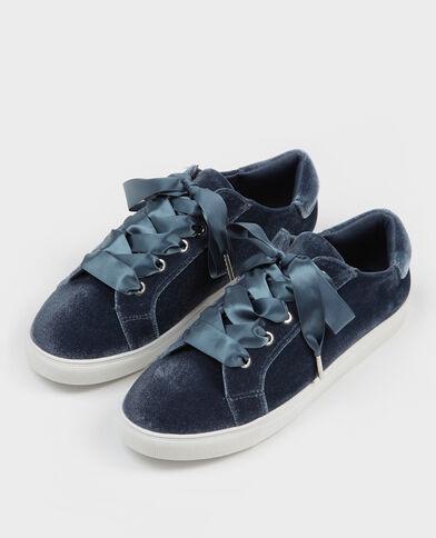 Sneakers mit satinierten Schnürsenkeln Blau