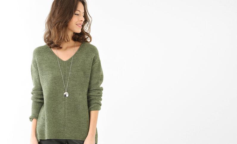 Jersey ancho cuello de pico verde