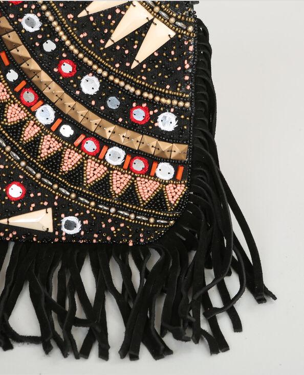 Bolso tipo sobre con perlas y flecos negro