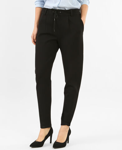 Pantalones de jogging negros. negro