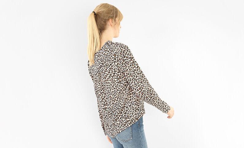 Blusa leopardo caramelo