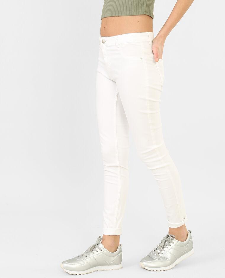Pantalón slim crudo