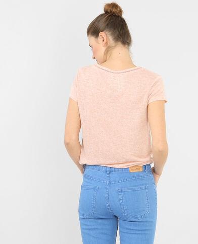 Camiseta con cuello de pico rosa palo