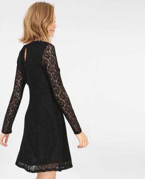 Vestido de patinadora con encaje negro
