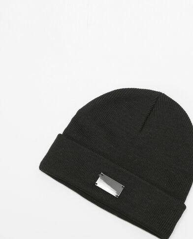 Mütze mit kleiner Metallplatte Schwarz