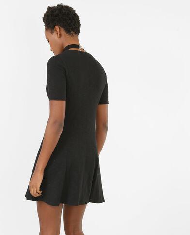 Vestido trapecio cuello choker negro
