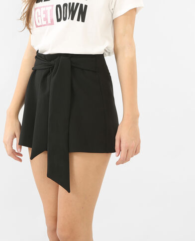 Shorts mit Gürtel Schwarz