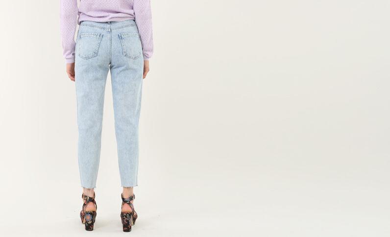 Destroyed Mom-Jeans Verwaschenes Blau