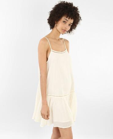 Opengewerkte jurk met ruche gebroken wit