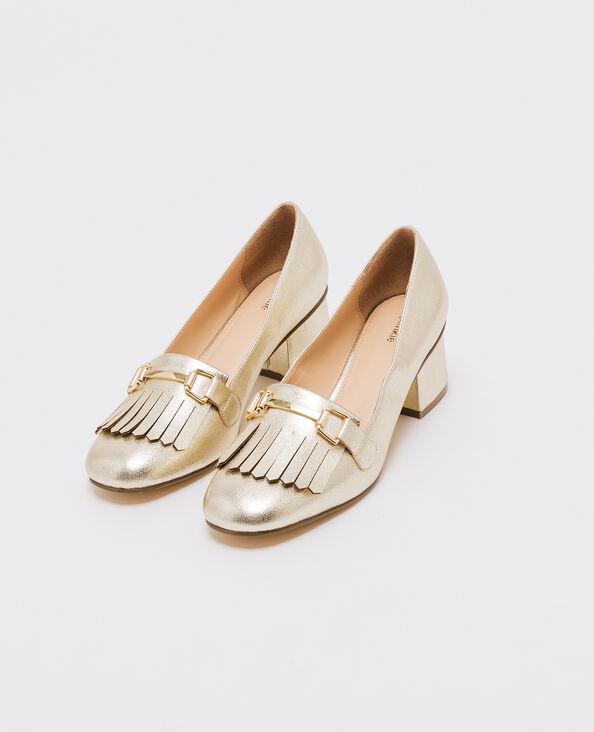 Zapatos de tacón con pieza de flecos dorado