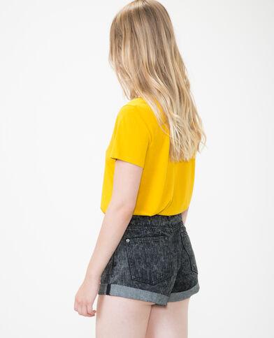 T-shirt  collo a V giallo mostarda