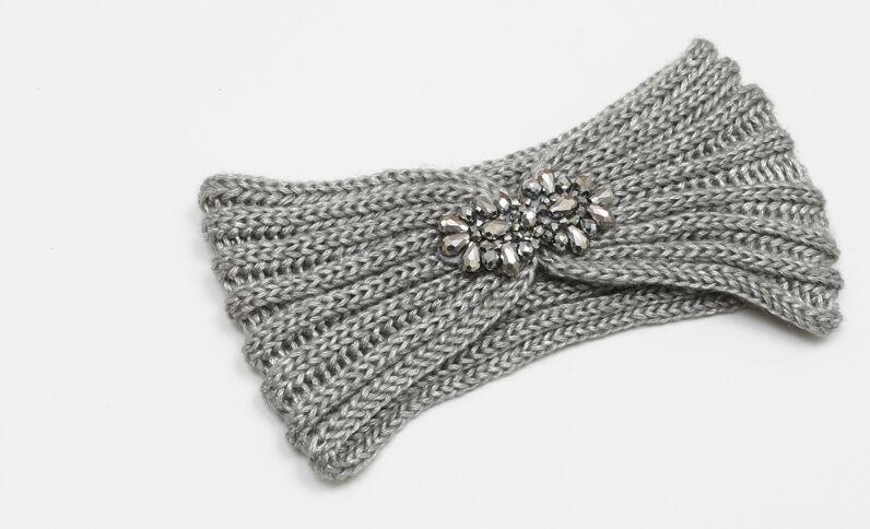Fascia con gioiello grigio