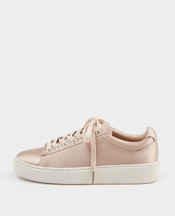 Zapatillas satinadas rosa maquillaje