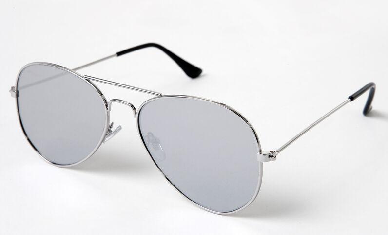 Gafas de sol tipo aviador gris brillante