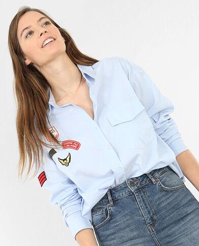 Camicia con patch blu cielo