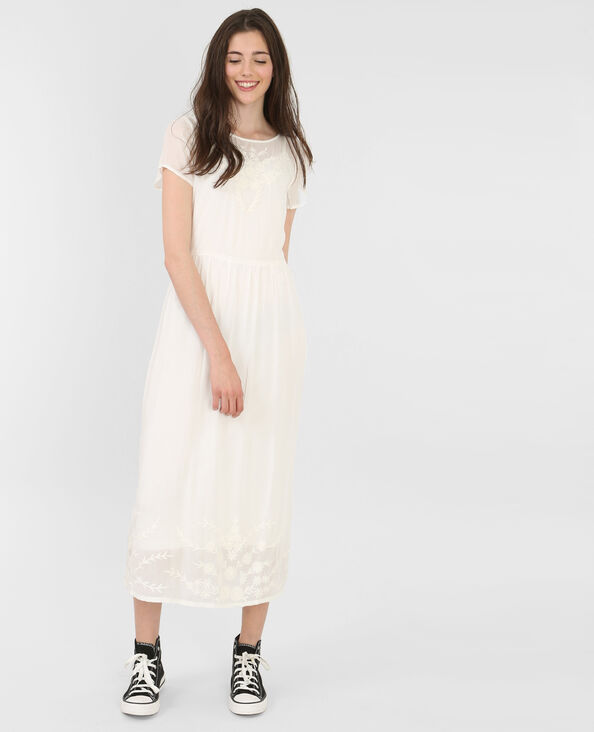 Vestido largo bordado marfil
