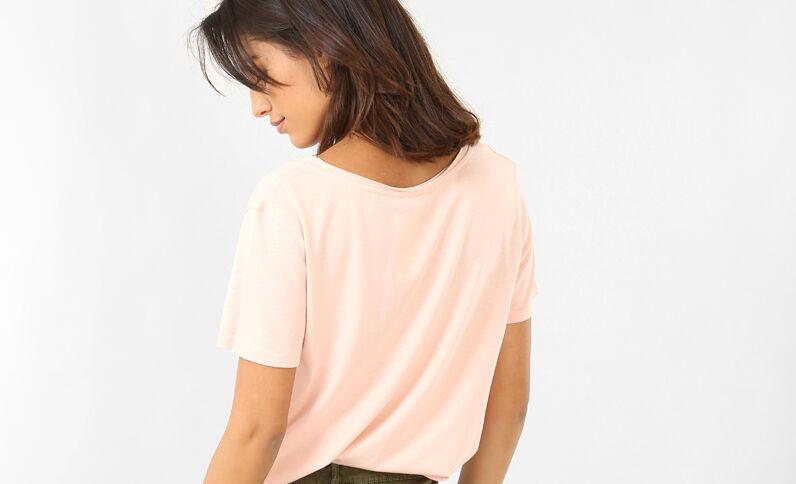 T-shirt met raw cut kraag roze