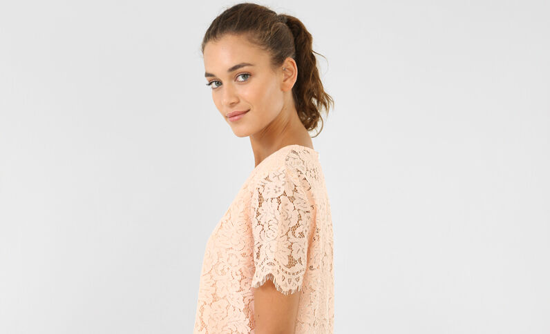 T-shirt in kant roze
