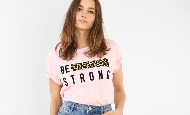 Camiseta con banda de leopardo rosa