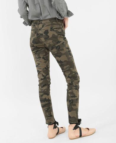 7/8-Skinny-Jeans mit Camouflage-Print Khaki