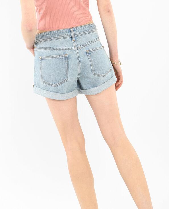 - Jeans-Shorts mit Umschlag. Himmelblau