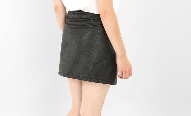 Minirock aus Kunstleder Schwarz