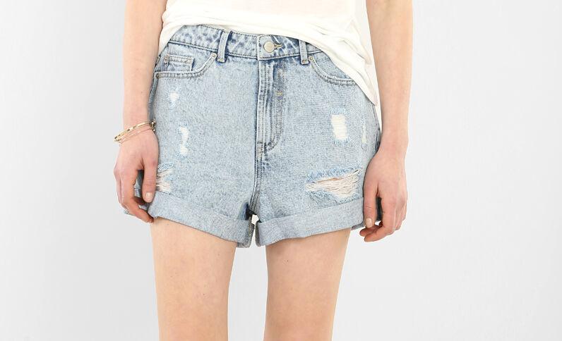 Shorts mit hoher Taille im Destroy-Look ausgewaschenes Blau