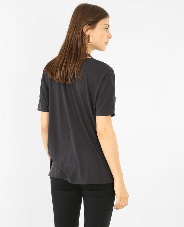 T-shirt met chokerhals met ringetjes zwart