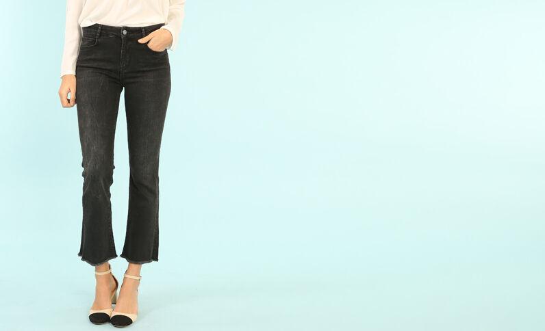 Jeans acampanados negro