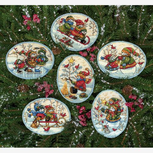 Playful Snowmen Ornaments _08828