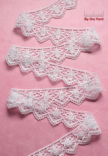 "1-1/4"" Scalloped Rose Venice Lace"