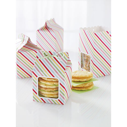 Modern Festive Scalloped Treat Box_44-20033