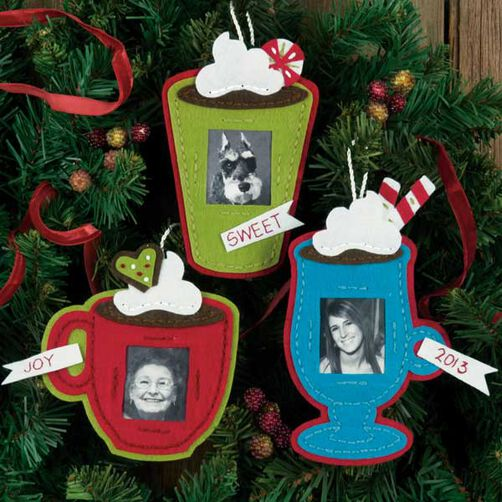 Framed Cocoa Cups Ornaments in Felt Applique_72-08191
