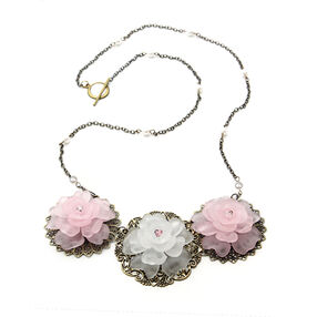 Triple Flower Necklace Kit_56-23065
