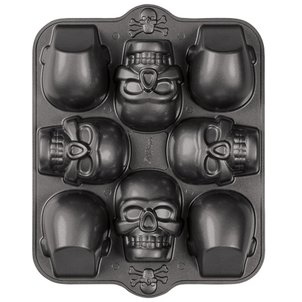 Dimensions 174 3 D Mini Skull Pan Wilton