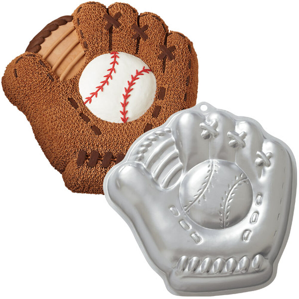 Baseball Mitt Pan Wilton