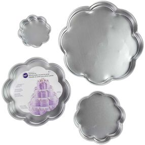 Wilton Cake Pans - Performance Pans Petal Cake Pan Set