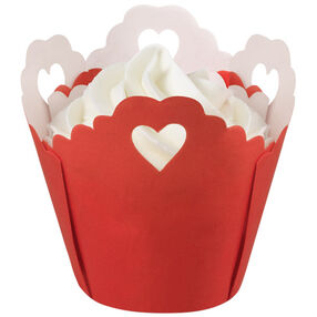 Pleated Heart Eyelet Baking Cup