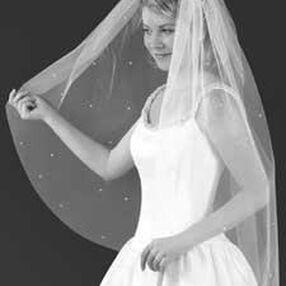 Blunt Edge Pearl Bridal Veil