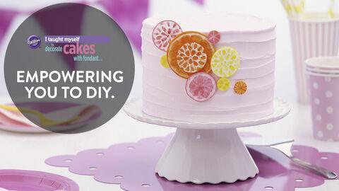 Wilton Cake Decorating Tips Fondant : I Taught Myself Fondant Cake Decorating Book Set Wilton