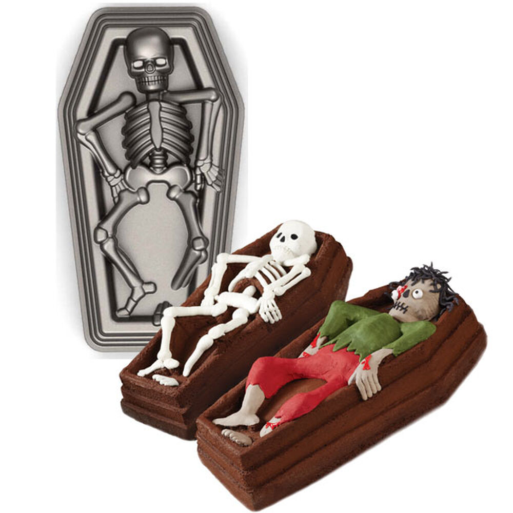 Skeleton In Casket 3 D Pan Wilton