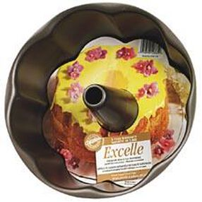 Excelle Premium Non-Stick 11 x 4 in. 2 pc. Petal Angel Food Pan