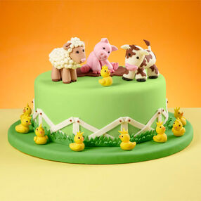 Old Mac Wilton?s Farmyard Cake