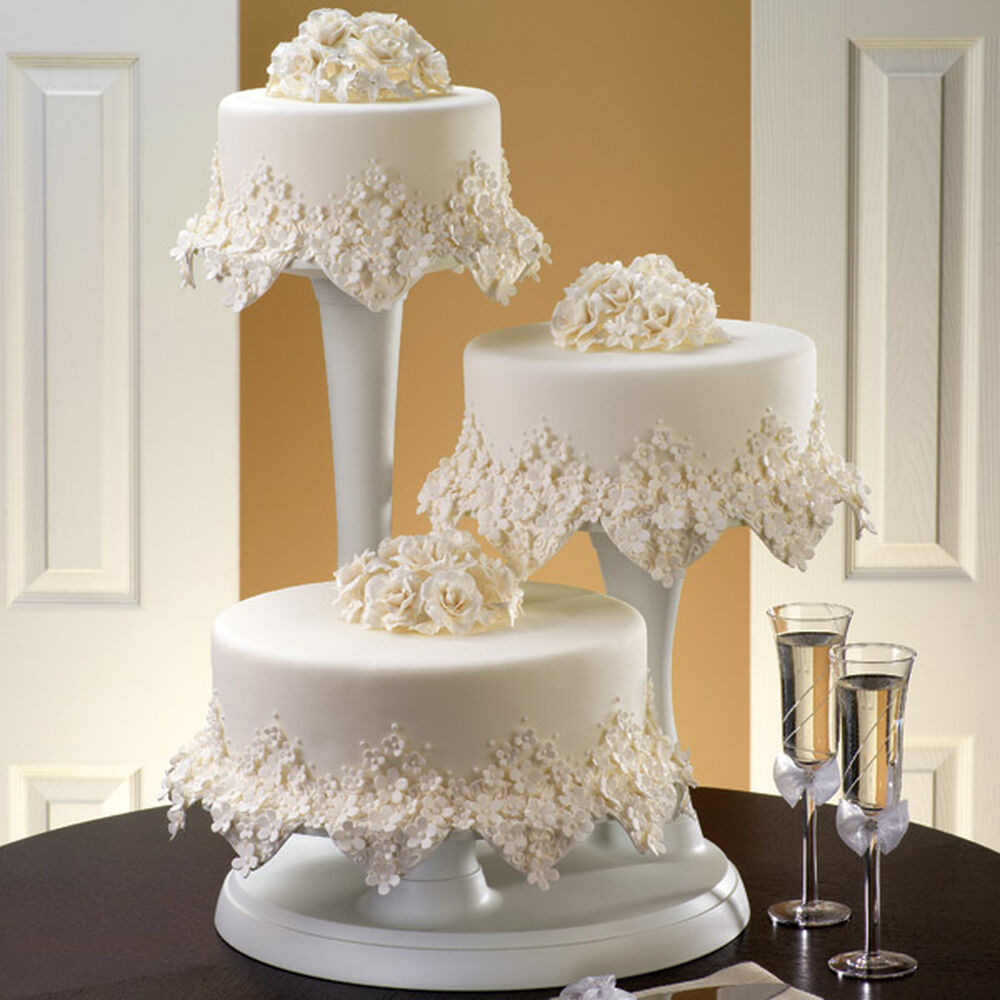 Wedding Cupcake Stand Ideas: Floral Frost Cake