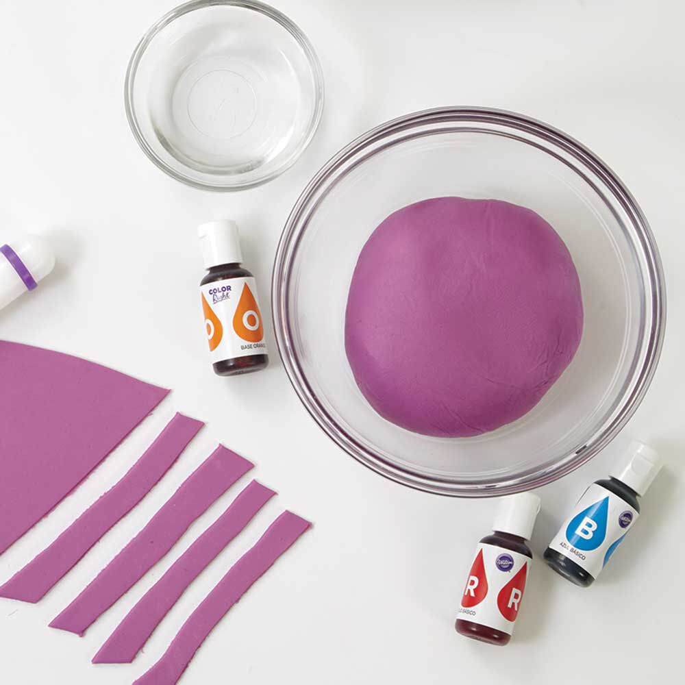 how to color fondant wilton