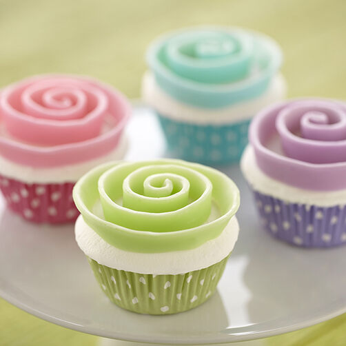 Two-Tone Candy Clay Ribbon Flower Cupcake