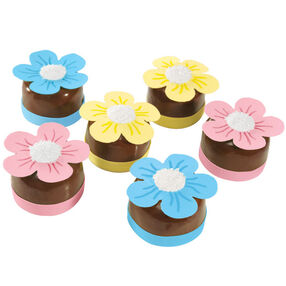 Posy Petits Fours Mini-Cakes