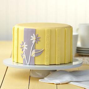 Dual-Toned Daisies Cake
