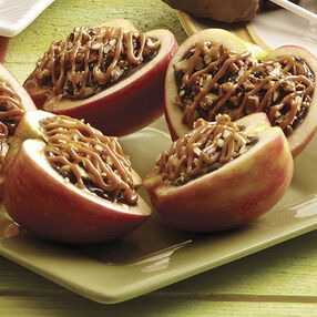 Caramel Apples Filled With Fudge